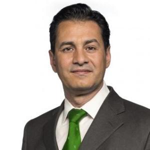 Dr. Roberto Tracia